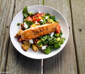 Nutritious Grilled Salmon and Peach Salad