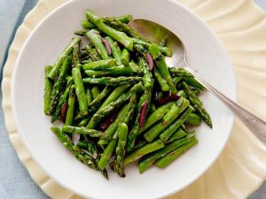 Quick & Easy Garlic Asparagus